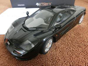 オートアート ミニカー 1/18 マクラーレン F1 JET BLACK METALLIC 買取