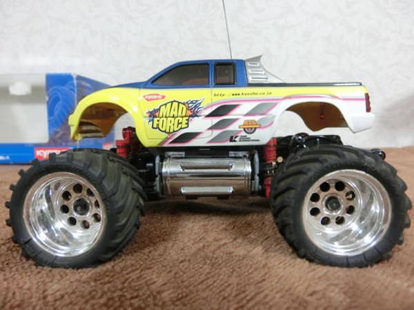 車ラジコン2