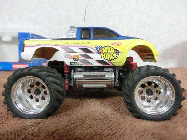 車ラジコン3